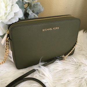 Michael Kors jet set Large olive crossbody bag